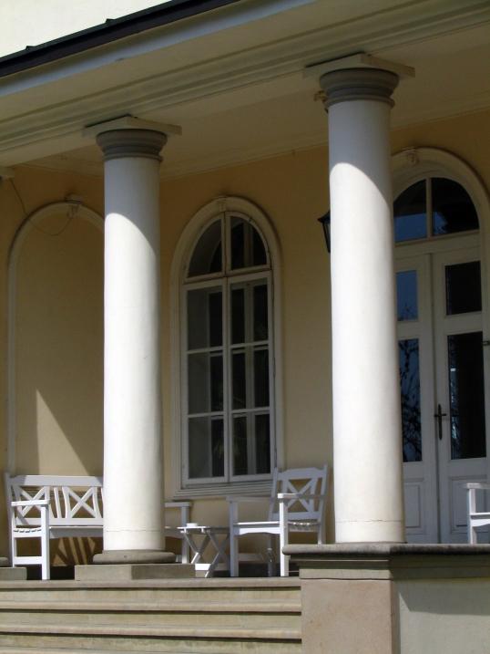 polish-manor-1221172-1279x1705