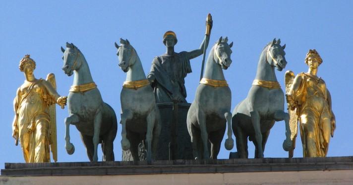 stone-horses-1219399-1278x670