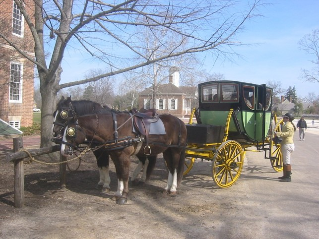 Colonial horse and carriage picture