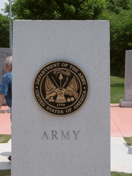 military-monument-army-1492883-639x852